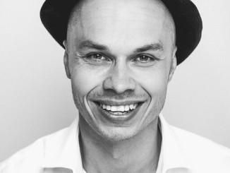 Ilja Teppo julkaisee ensimmäisen soololevynsä.