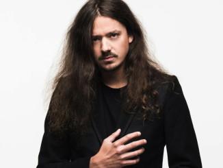 Lauri Porra kaataa mielellään musiikin raja-aitoja.