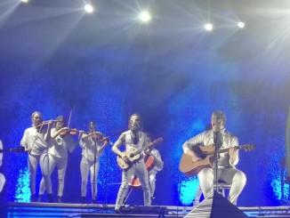 Apulanta esiintyi Lahden Sibeliustalolla 24. päivä maaliskuuta loppuunmyydyssä konsertissa. Kuvaaja: Pauli Riekkinen